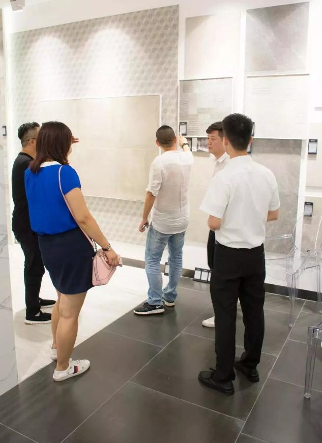 中国市场上的进口瓷砖产品。