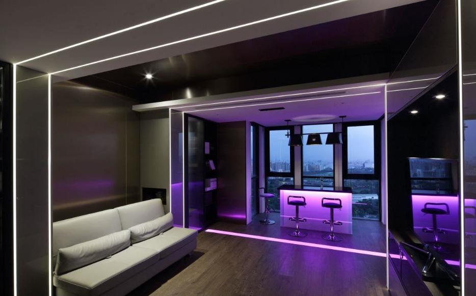 紫色情境,媲美专业的Lounge bar,当音乐流泻,令人沉醉